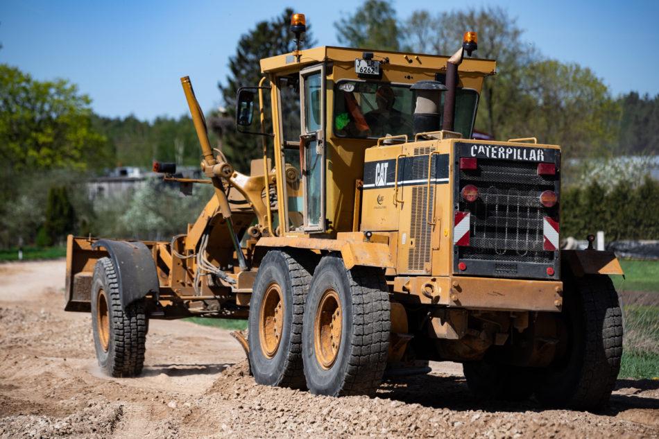 Ceļu remonta traktors
